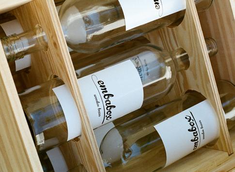 Weinflaschen in Box